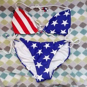 🇺🇸NWOT VENUS stars & stripes bikini 👙